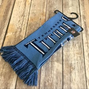 NWT. NFL Tennessee Titans scarf.